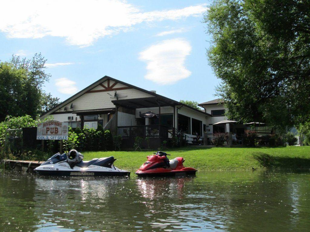 Riverfront Pub & Grill