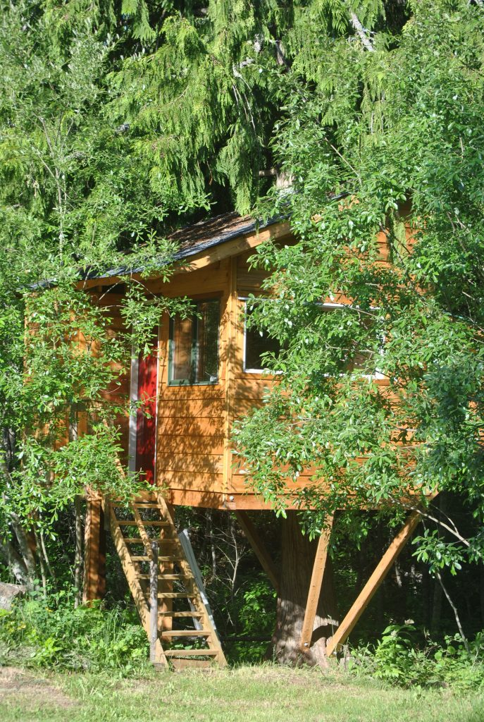 The Treehouse at J-heart-Y B&B